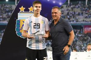 'the best centre-back in the world' - these tottenham fans are going crazy for juan foyth