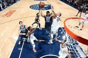 twi-lights: the best of wolves vs. grizzlies
