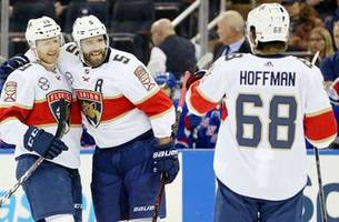 mike hoffman extends point streak to 15 games in panthers' 4-2 loss to rangers