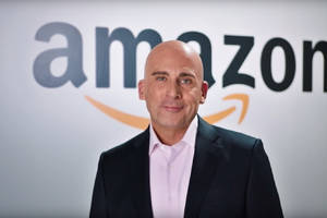 steve carell donned a bald wig to troll president trump as jeff bezos on snl