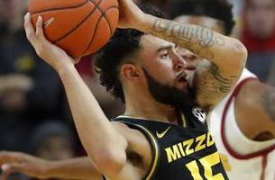 Missouri advances to Paradise Jam title game thanks to late second-half run against Oregon State