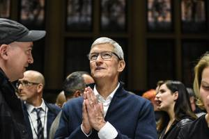 tim cook defends multibillion dollar google search deal despite apple's privacy focus
