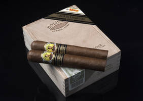 habanos s.a. presents the limited edition of bolivar soberano in hong kong