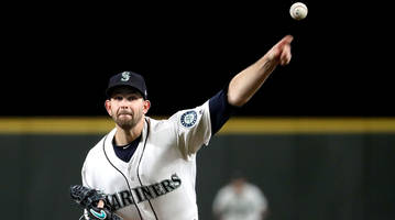 report: yankees acquire mariners ace james paxton in trade for three prospects