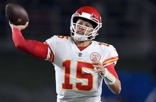 Cris Carter evaluates Patrick Mahomes' performance in MNF loss to the Rams