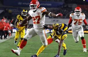 glaring mistakes aside, chiefs gain confidence in shootout loss to rams
