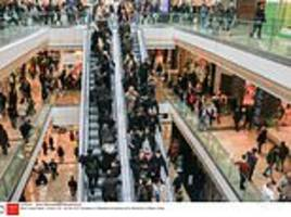 average briton 'will splurge £576 between black friday and christmas - more than other europeans'