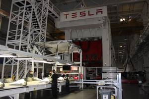 tesla is asking gigafactory workers to volunteer and work through thanksgiving as it pushes to make 7,000 model 3s per week and keep the company profitable (tsla)