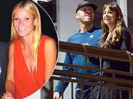dakota johnson 'spent thanksgiving with beau chris martin and his ex gwyneth paltrow and their kids'