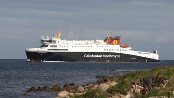 floral tribute to western isles' iolaire disaster