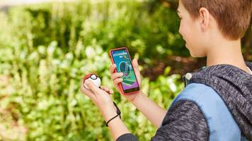 how to use the poké ball plus with pokémon: let's go! and pokémon go