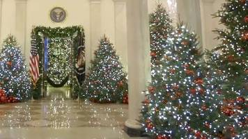 the white house unveils its christmas decorations