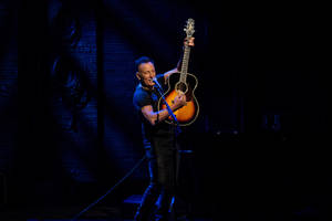 watch bruce springsteen perform on broadway in netflix special first look (video)