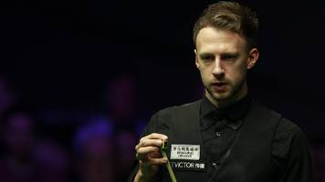 uk championship: judd trump joins ding junhui and neil robertson in round two