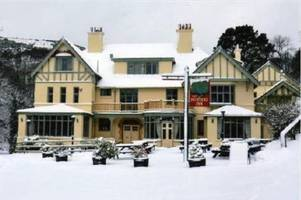 elf, home alone and love actually to be screened at stunning devon venue