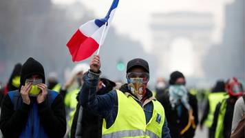 france fuel protests: macron drives ahead amid unrest