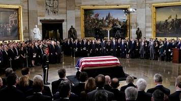 george hw bush lies in state at us capitol