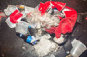 alcohol banned on nj transit, lirr, metro north during santacon