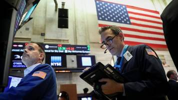 US shares sink as market sell-off continues