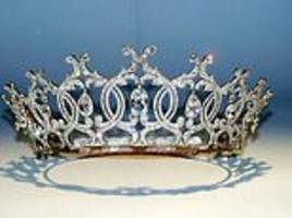 raiders steal world famous portland tiara from the welbeck estate
