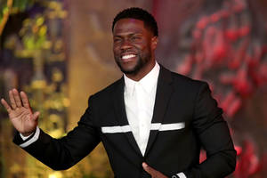 kevin hart has deleted old anti-gay tweets since landing oscar hosting gig