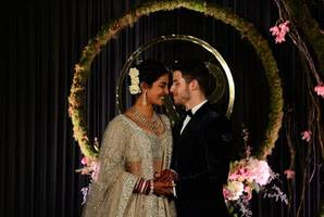 priyanka chopra weds with a platinum ring
