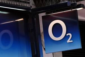o2 to give compensation to customers after issuing public apology