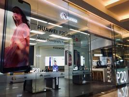 Huawei Executive Faces U.S. Fraud Charges Related To Iran Sanctions, Canadian Court Told