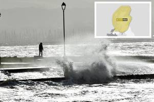 yellow weather warning issued as high winds and rain to batter scotland