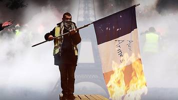 Gilets jaunes: Are nationalists infiltrating the 'yellow vests'?