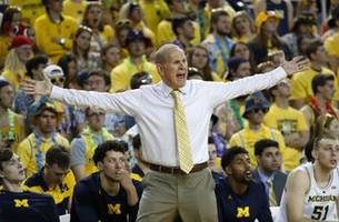No. 5 Michigan stays unbeaten, tops South Carolina 89-78