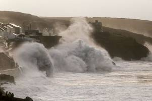 70mph winds for devon and cornwall as met office issues severe weather warning