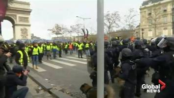 Can France's leader-less 'yellow vests' become a true political force?
