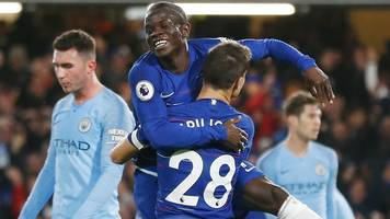 Chelsea inflict first defeat of season on Man City