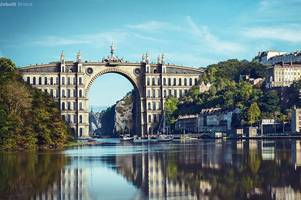 this is the bridge that could have been built in clifton - and it looks incredible