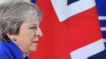 Brexit: Theresa May in final push to win support for deal