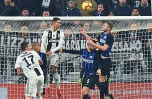 ronaldo and icardi have off days as juventus matches record