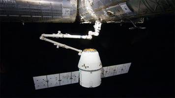spacex christmas feast arrives at the international space station