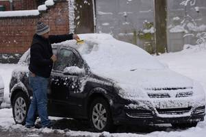 britain issued with snow warning as arctic weather blasts sparks plunging temperatures of minus 5