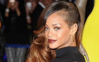 rihanna hires lookalike models to try out new eyebrow styles and see if she likes them