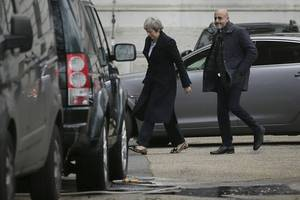 Theresa May calls off key vote on Brexit deal to avoid huge defeat, source says