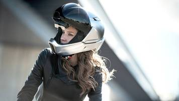 this smart motorcycle helmet features a futuristic ar display — future blink