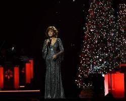what to watch tonight: 'cma country christmas,' and more