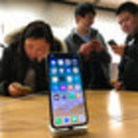 chinese court bans sales of older iphones over patent violations
