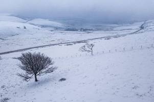 SNOW will hit Derbyshire this weekend according to weather forecasters