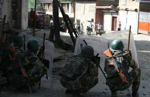 Militants' attack on police post in Indian-controlled Kashmir leaves 4 policemen dead