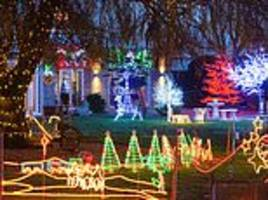 couple attract thousands of visitors with a million christmas lights
