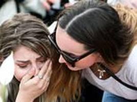 more than 1,000 people attend vigils in new zealand for murdered british backpacker