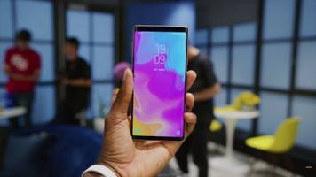 samsung made two killer phones in 2018, but here's why you should buy the galaxy note 9 instead of the galaxy s9