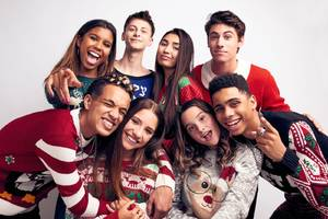 2 teen stars made a 'holiday spectacular' youtube movie with startup brat, which has raised over $40 million, and an expert predicts it will be a massive hit